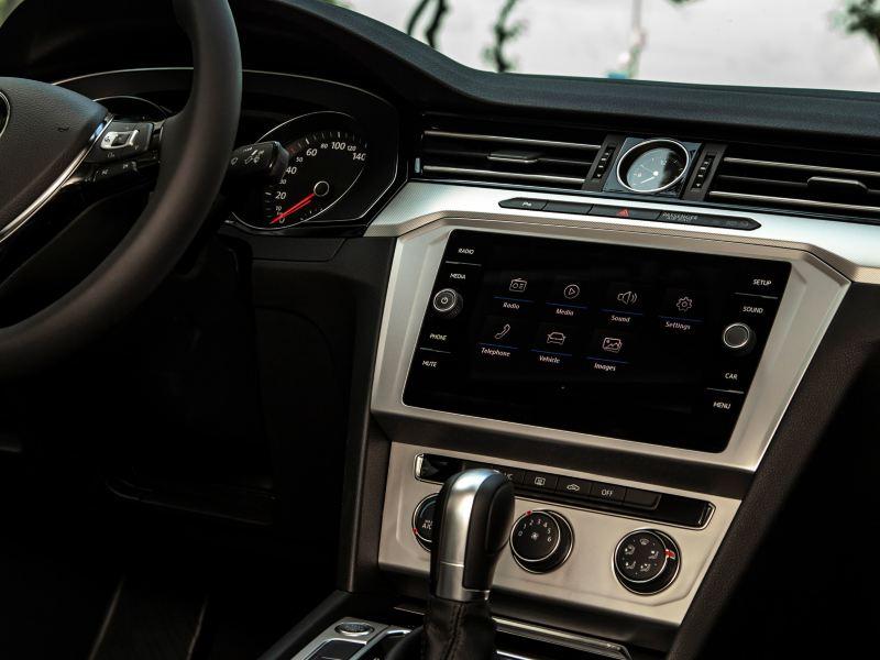 Composition Media Volkswagen Passat 2020