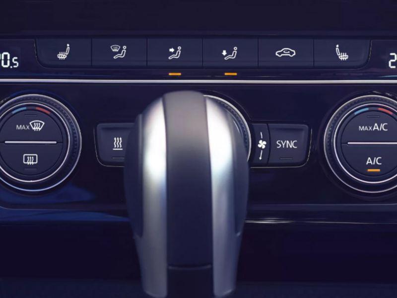 Hệ thống điều hòa tự động 3 vùng nhiệt độ Climatronic