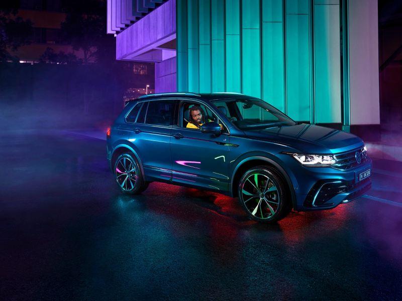 Front right quarter profile image of Volkswagen Tiguan.