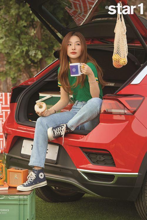 폭스바겐코리아 신형 티록 홍보대사 비와이 X 슬기와 함께한 화보 공개_비와이 (2) 이미지