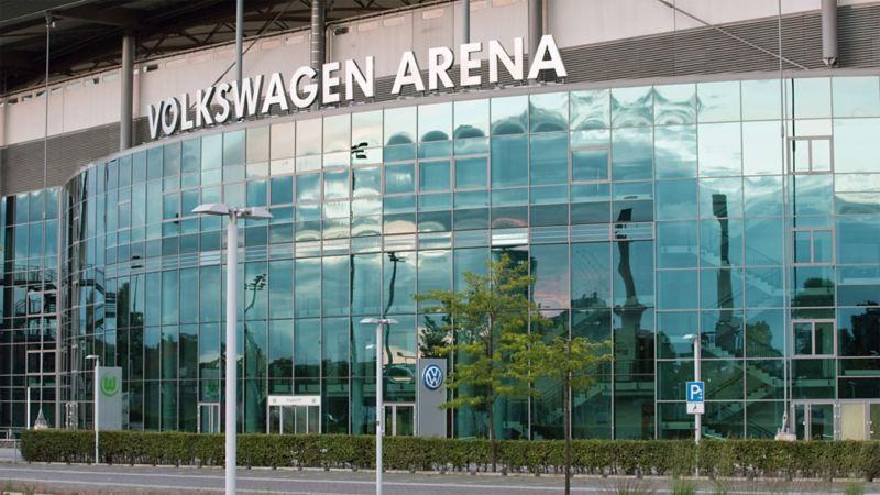 Frontalaufnahme der Volkswagen Arena