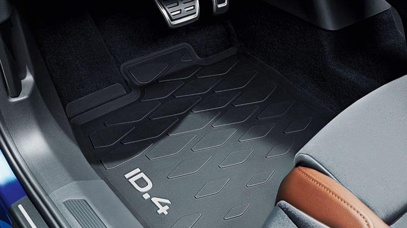 VW Accessories floor mats in the footwell of a VW ID.4 – Volkswagen Accessories interior