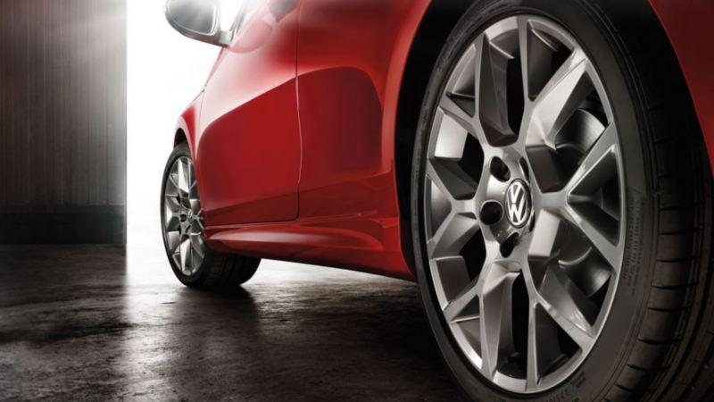 Gros plan sur un pneumatique pour une Volkswagen Golf6