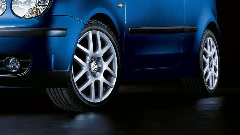 Gros plan sur un pneumatique pour une Volkswagen Polo4