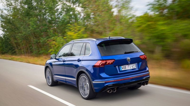 VW Volkswagen Tiguan R SUV sett skrått bakfra