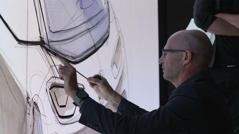 Klaus Zyciora Bischoff illustra il design esterno di Volkswagen ID.3.
