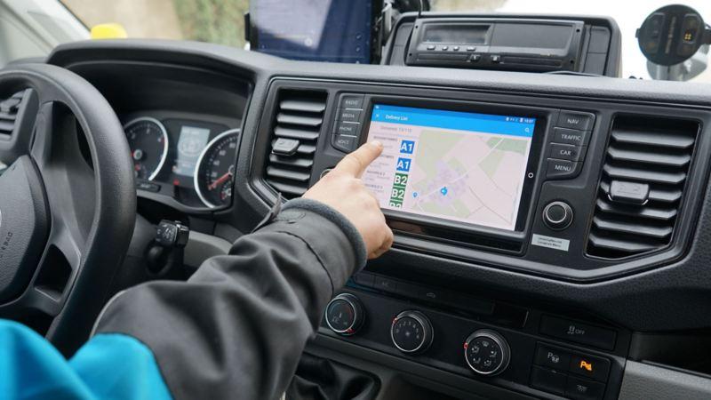 Dettaglio del display di Grand California Volkswagen, con all'interno una cartina stradale.