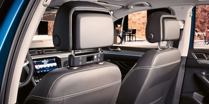 The interior of a VW car with the module travel and convenience system – Volkswagen Accessories