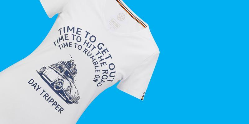 T-shirt blanc pour femme avec motif Coccinelle, slogan et logo VW