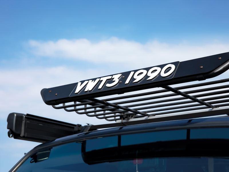 車齡已超過 30 年的福斯商旅 T3,滿 載著珍貴記憶的露營車生活。