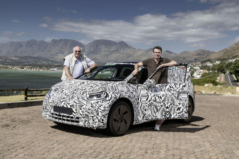 Dr. Frank Welsch, członek zarządu Volkswagena (po prawej) oraz Frank Bekemeier