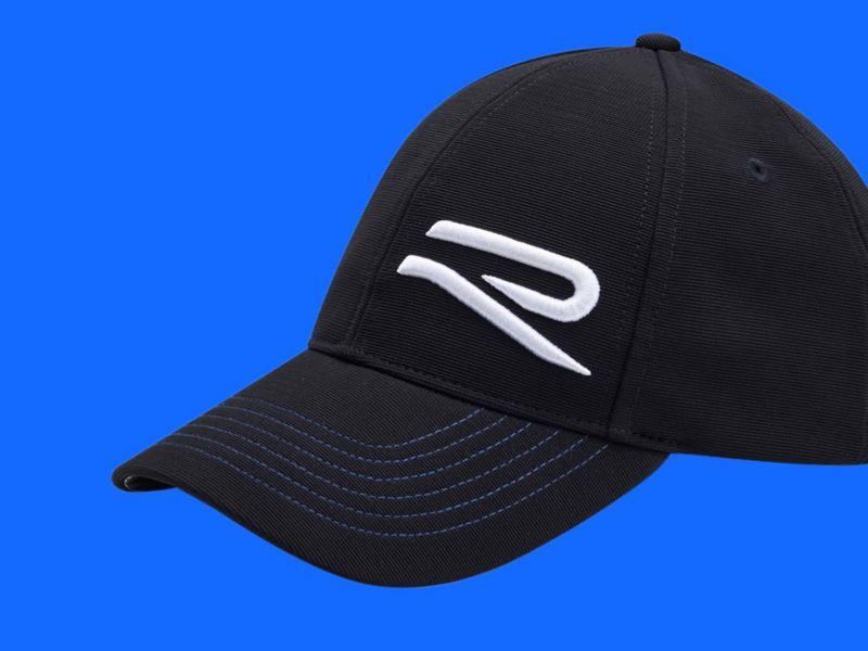 Cappellino con visiera nero originale Volkswagen con la lettera R stilizzata.