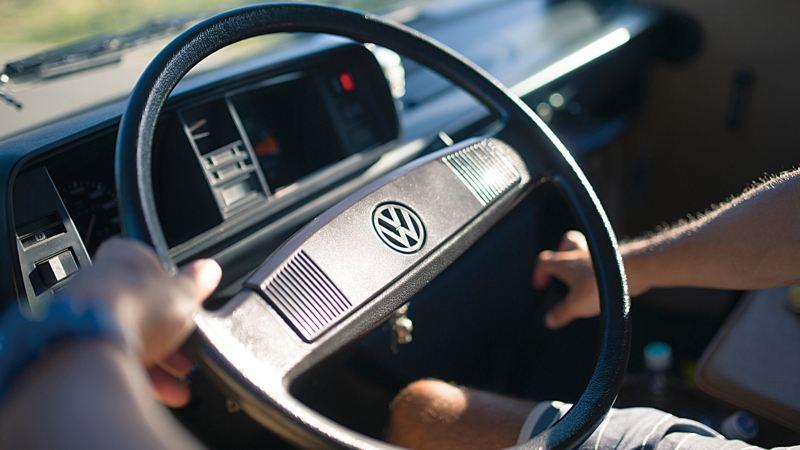 車款的方向盤細節