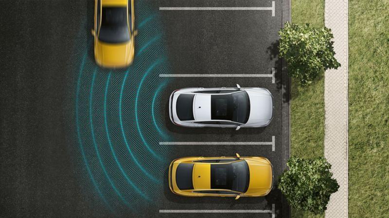 Schematyczna prezentacja asystenta wyjazdu z miejsca parkingowego od góry na przykładzie VW Arteona