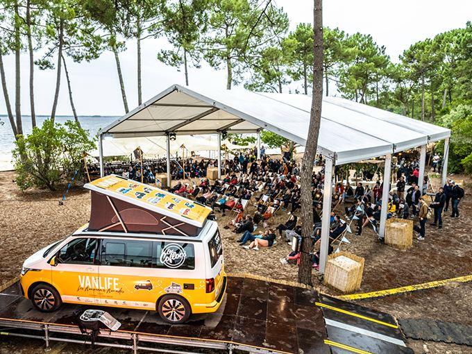 Photo du VW California Festival, vue sur la tente