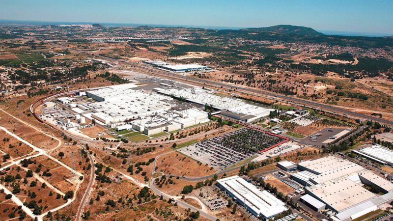 Blick von oben auf das Volkswagen Werk Portugal