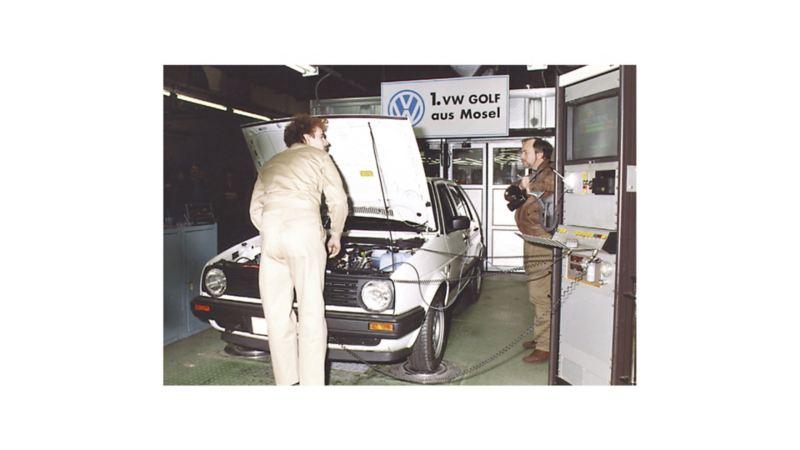 15 lutego 1991 r.: produkcja pierwszego Golfa w fabryce w Mosel