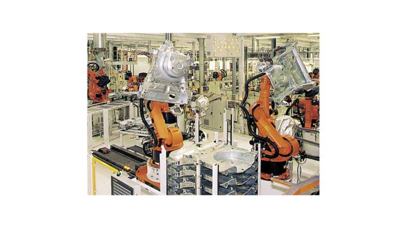 Marzec 1996 r.: trwa montaż urządzeń do produkcji karoserii VW Passata