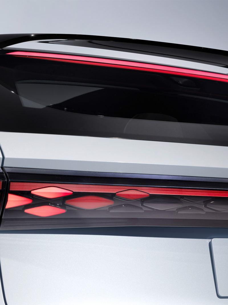 A traseira do Volkswagen ID. SPACE VIZZION