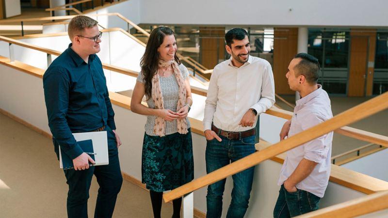 Gruppe von vier Personen im Mobile Life Campus in Wolfsburg