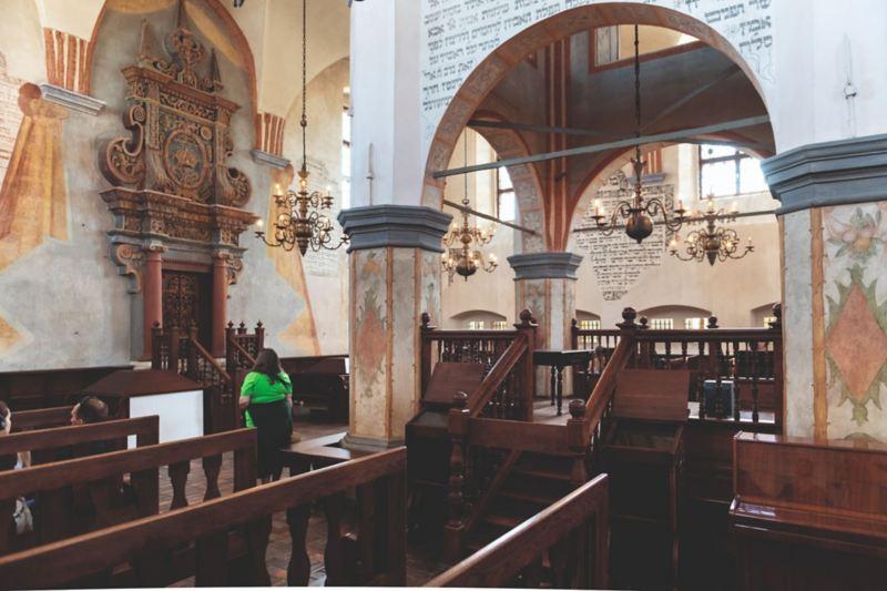 Wnętrze zabytkowej synagogi w Tykocinie.
