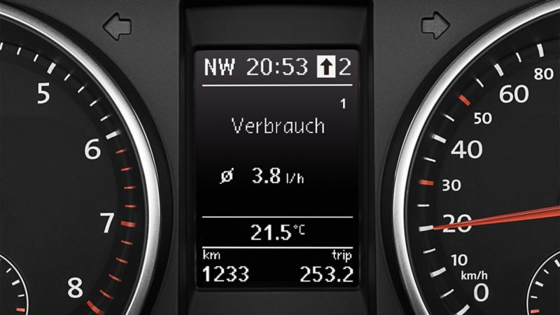 Funkcja zalecenia optymalnego biegu na wyświetlaczu VW Golfa