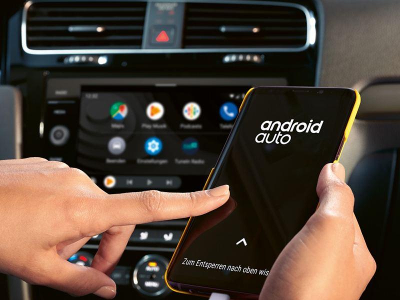 Le funzionalità dell'App Volkswagen We Connect per Android sul display di una Golf
