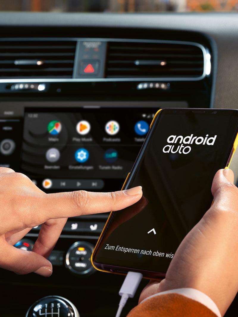 Android Auto auf einem Smartphone geöffnet