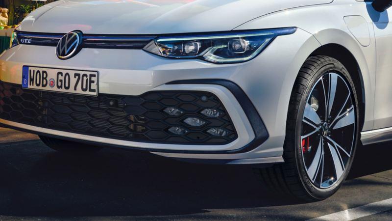 VW Golf GTE in white, detailed view of LED fog lights