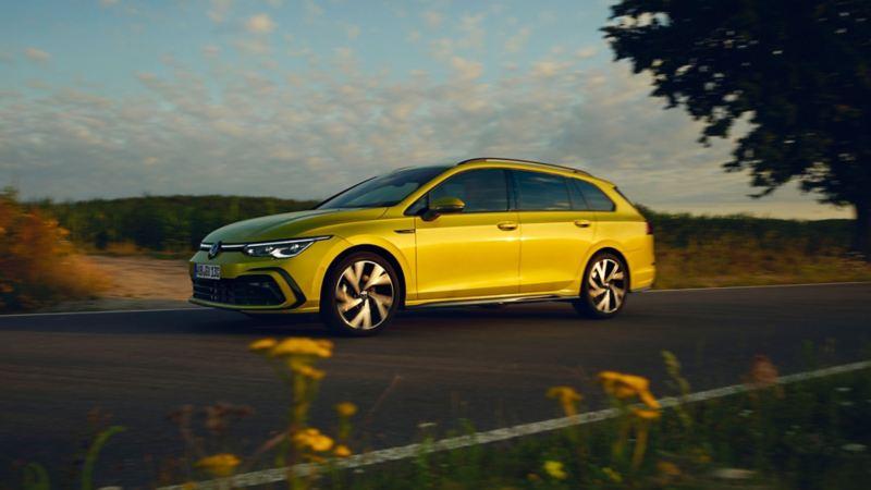 Volkswagen Golf Sportscombi från sidan, den perfekta kombibilen
