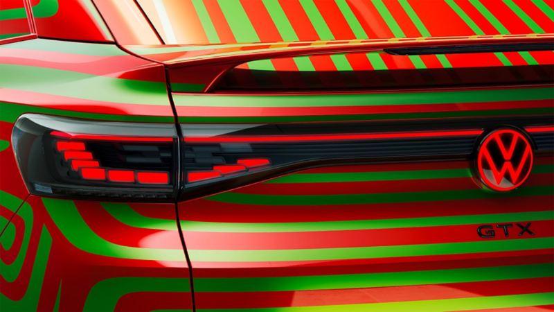 Dettaglio della zona posteriore di Volkswagen ID.5 GTX Camouflage.
