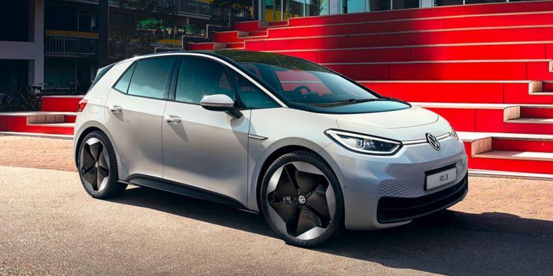 Vista di 3/4 di Volkswagen ID.3 100% elettrica