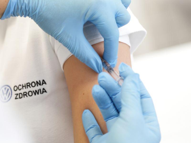 Volkswagen Poznań uruchamia pracowniczy program szczepień przeciw Covid-19
