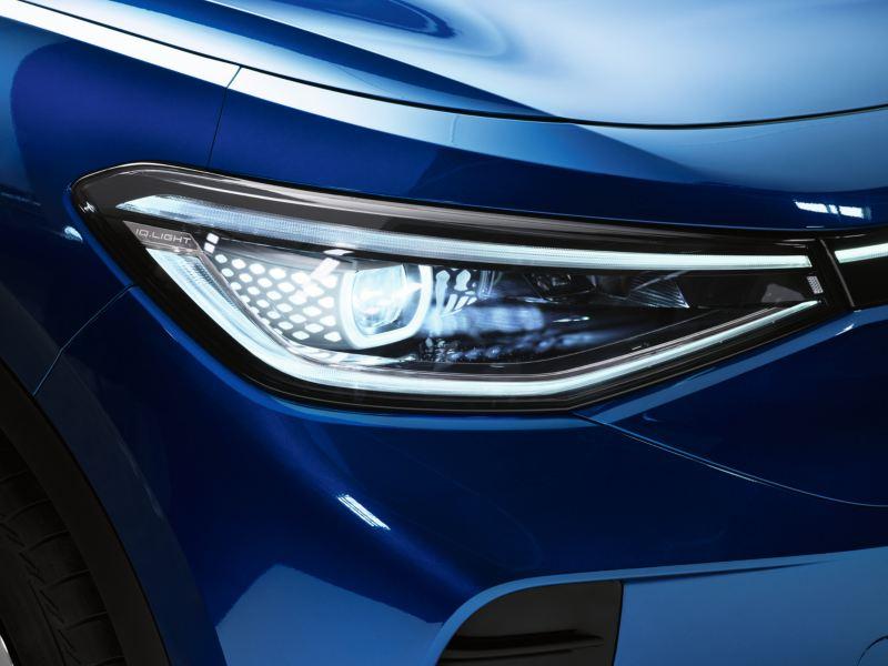 Dettaglio dei fari Matrix a LED IQ.LIGHT di Volkswagen ID.4 1st con regolazione dinamica degli abbaglianti.