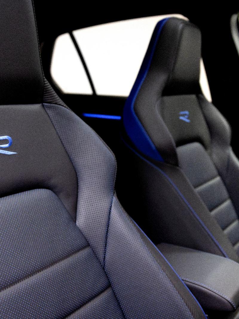 Volkswagen Golf-R 2022 - Gros plan des sièges avant
