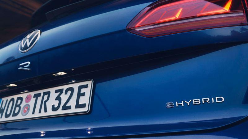 Vista posteriore della VW Touareg R eHybrid