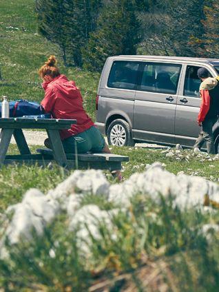 Volkswagen Multivan in mezzo alla natura