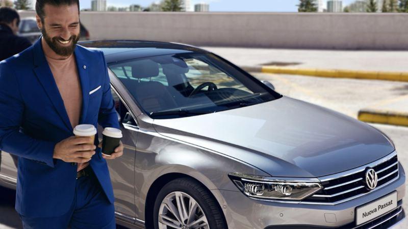 Vista frontale di Volkswagen Nuova Passat.