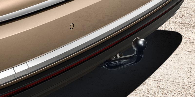 Dettaglio del gancio di traino sfilabile originale Volkswagen, montato su Nuova Touareg.