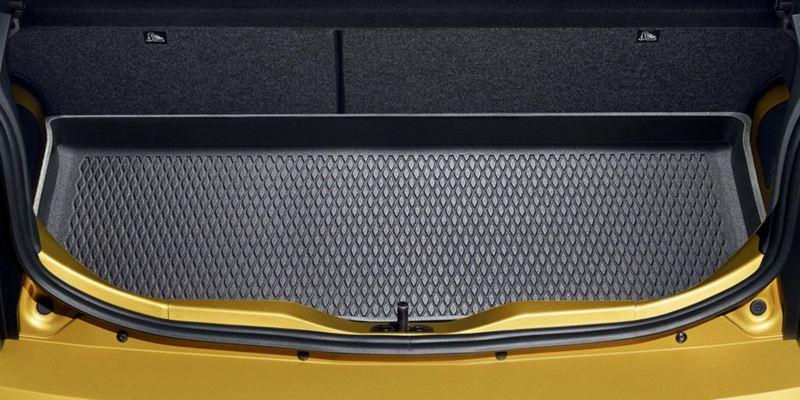 Dettaglio dell'inserto bagagliaio originale Volkswagen, montato su Nuova up!.