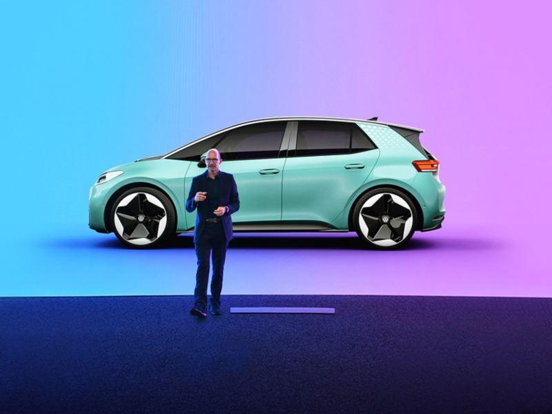 Klaus Zyciora Bischoff, responsabile del design del gruppo Volkswagen, illustra il design di Volkswagen ID.3.