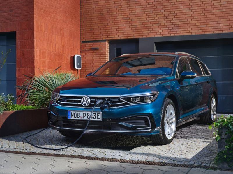 VW Passat GTE ladbar hybrid familiebil