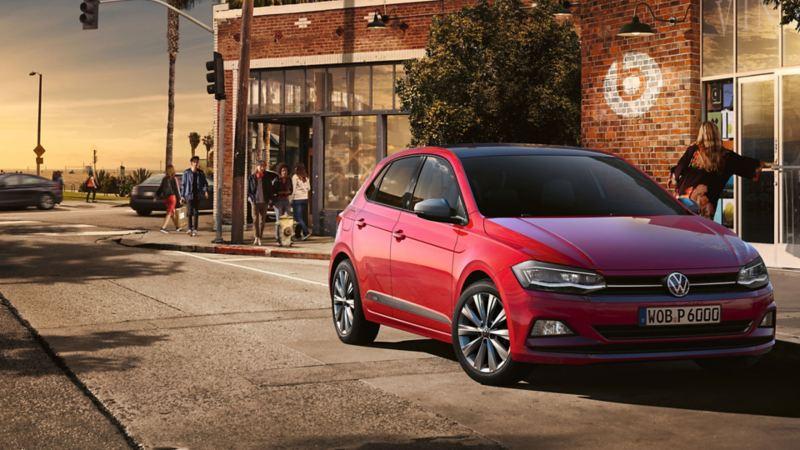 VW Polo beats na rua