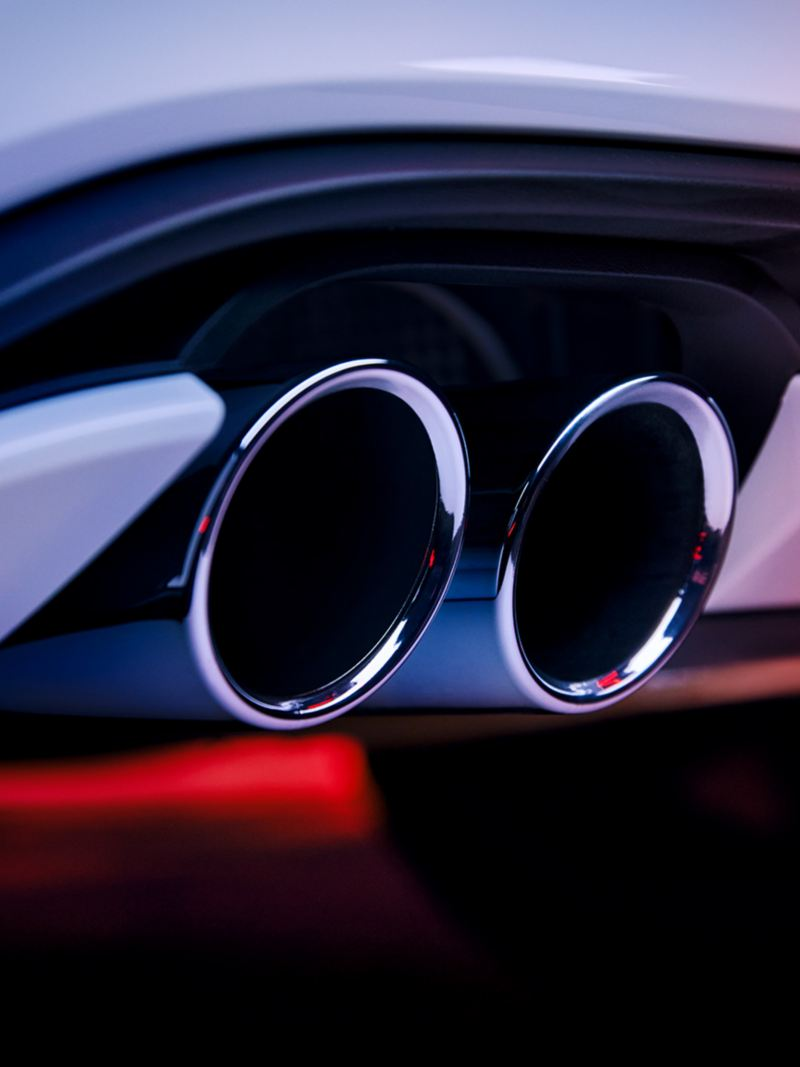Dettaglio dei terminali di scarico cromati di Volkswagen Nuova Polo GTI.