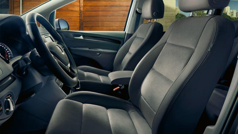 Przednie siedzenia z funkcją masażu w VW Sharanie