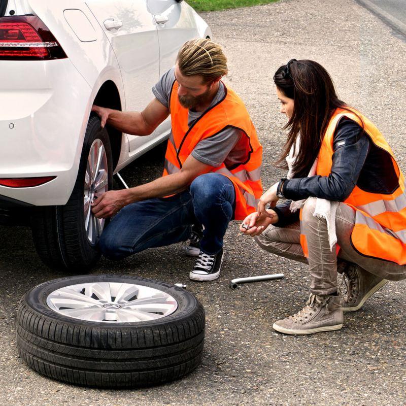 Volkswagen Roadside Assistance tyre change