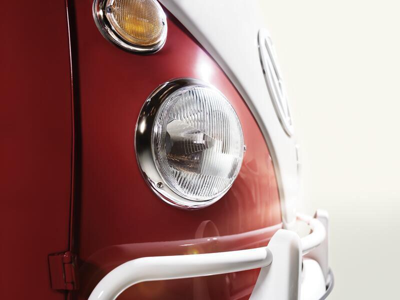 Avant phare combi VW rouge et blanc