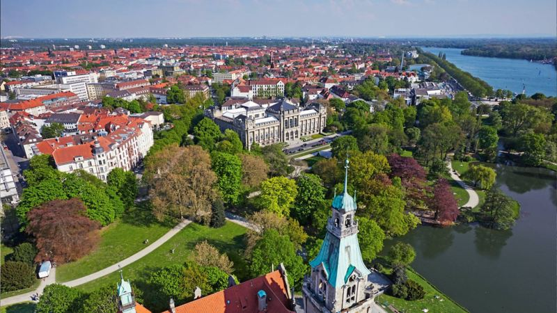 Blick auf Hannovers Südstadt und den Maschsee