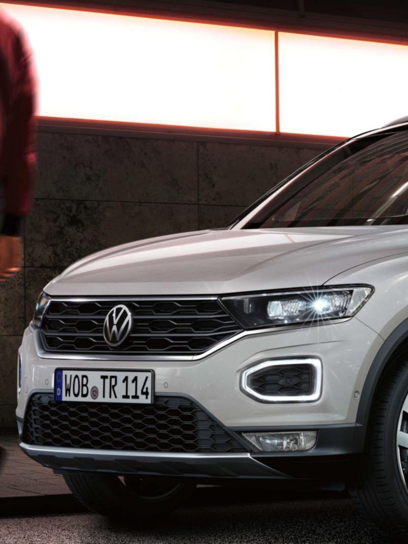 Volkswagen T-Roc Sport Μπροστινό άκρο με προβολείς και δακτυλιοειδή φώτα ημέρας
