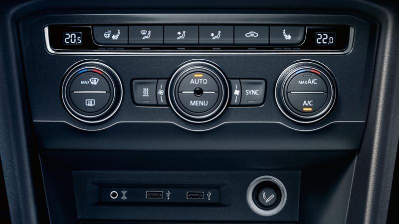 Przyłącze gniazda multimedialnego MEDIA-IN w Volkswagenie